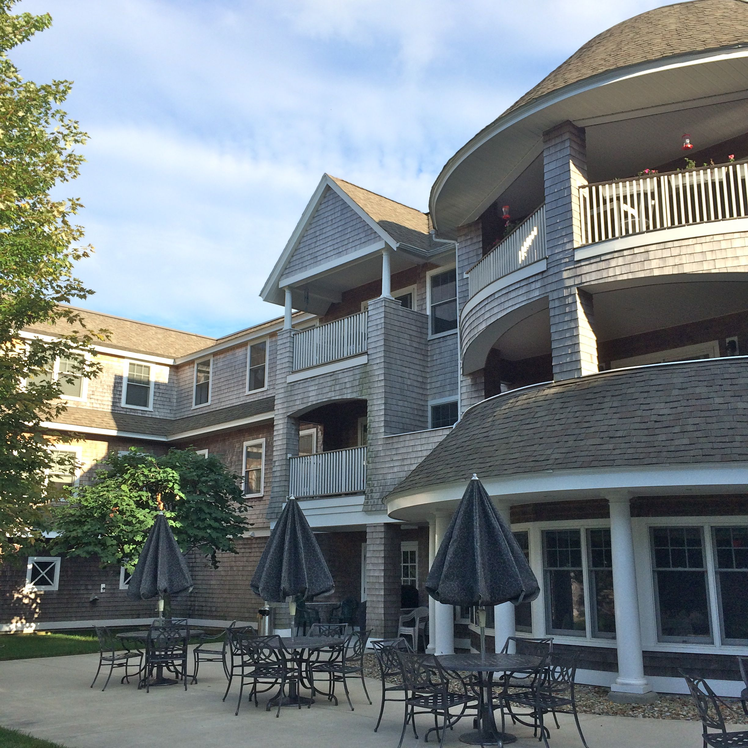 Lovely courtyard at Dillingham Place